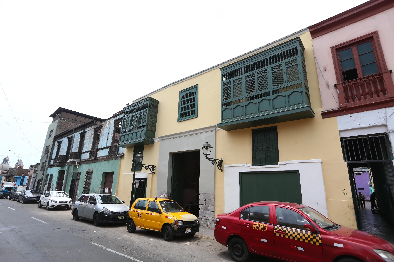 Ruinas con elegantes fachadas: obra de la comuna de Lima bajo críticas | [FOTOS]