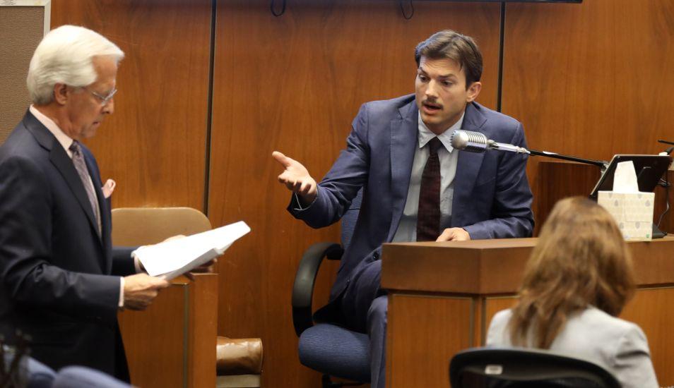 Ashton Kutcher  durante la audiencia contra Michael Gargiulo. (Foto: AFP)