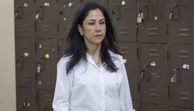 Nadine Heredia entregó celular a PNP durante allanamiento a su vivienda