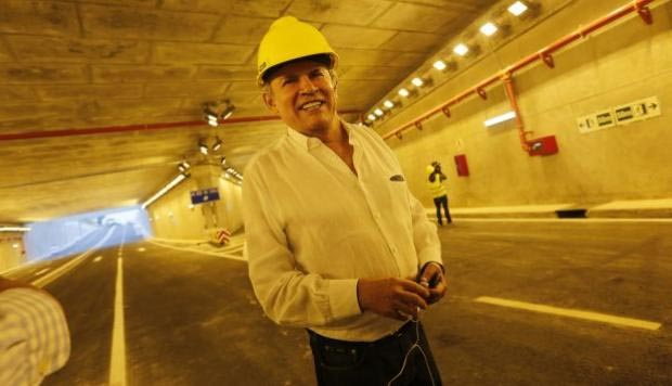 Luis Castañeda se allana a impedimento de salida del país pero cuestiona plazo