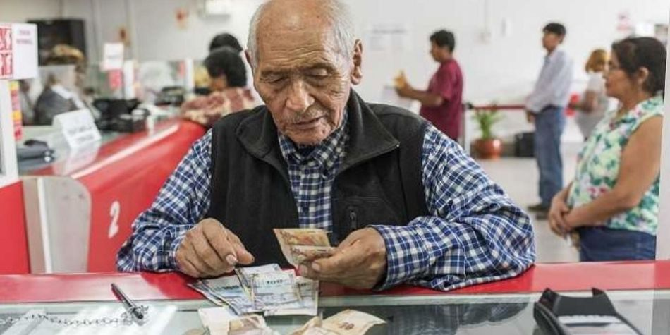 Lo más recomendable para no ser víctima de robo es hacer uso de la banca electrónica o, de ser posible, un cheque bancario. (Foto: Andina)