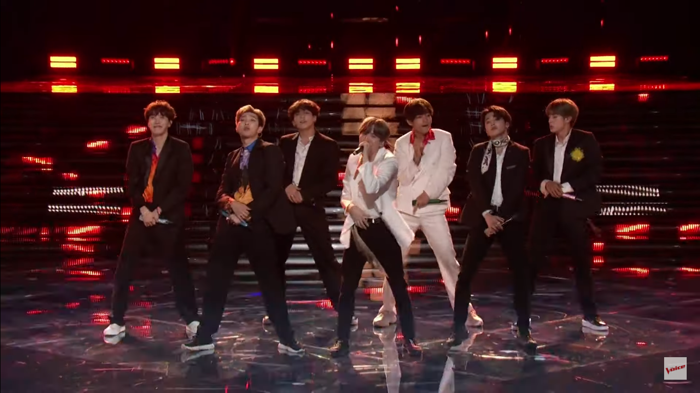 BTS interpreta el tema 'Boy With Luv' en 'The Voice' | VIDEO