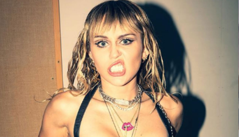 Miley Cyrus enloquece a sus fans con atrevido 'twerking' | VIDEO