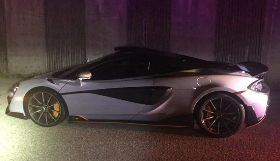 Su lujoso McLaren fue a parar al depósito a los 10 minutos de haberlo comprado
