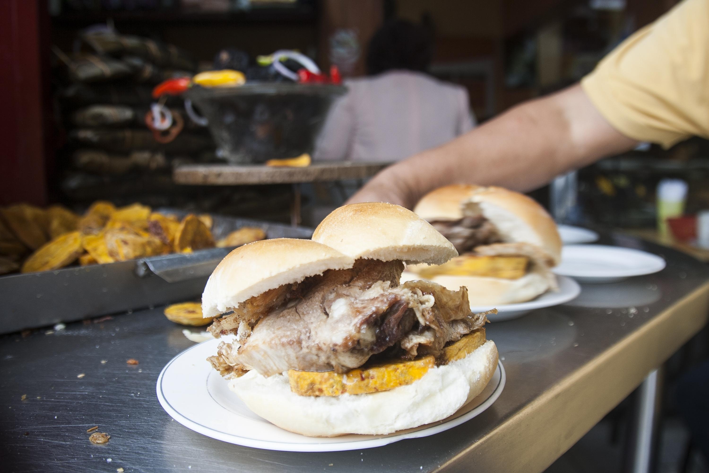 Día del Chicharrón: tres deliciosas opciones para disfrutar en restaurantes de Lima | VIDEO