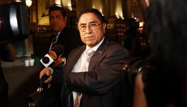 César Hinostroza: Dictan 9 meses de impedimento de salida del país a implicados en su fuga