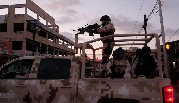 El Ejército de México detecta un masivo depósito ilegal de combustible