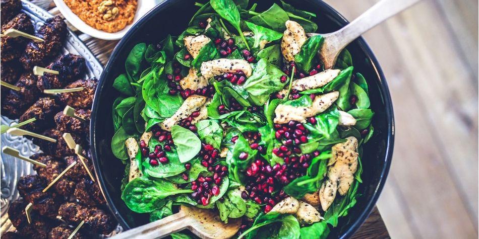 Cinco consejos para evitar excesos alimenticios en Semana Santa