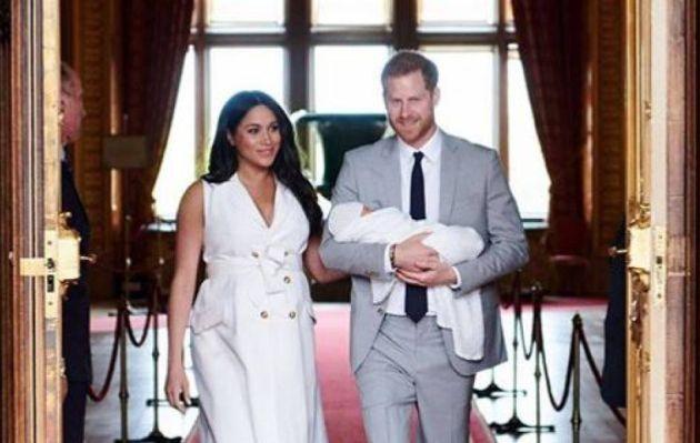 Instagram: Meghan Markle y el príncipe Harry revelan foto del rostro de su hijo Archie