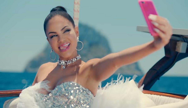 Natti Natasha se gana el halago de sus fanáticos disfrutando de las playas de Puerto Rico | FOTOS