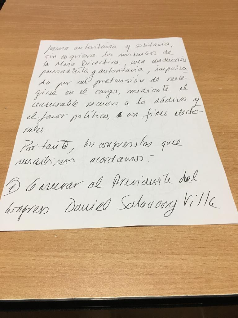 Parte del documento que circuló por iniciativa de Fuerza Popular para censurar a Daniel Salaverry. (El Comercio)