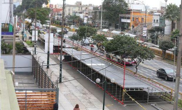 Inician instalación de graderías en avenida Brasil para la Gran Parada Militar