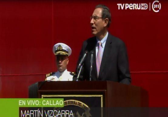 Martín Vizcarra recibió al BAP Carrasco tras misión científica en la Antártida