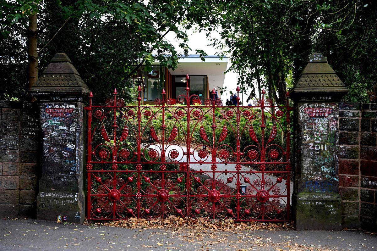 Los jardines de Lennon: el lugar que inspiró Strawberry Fields Forever, por Pedro Suárez-Vértiz
