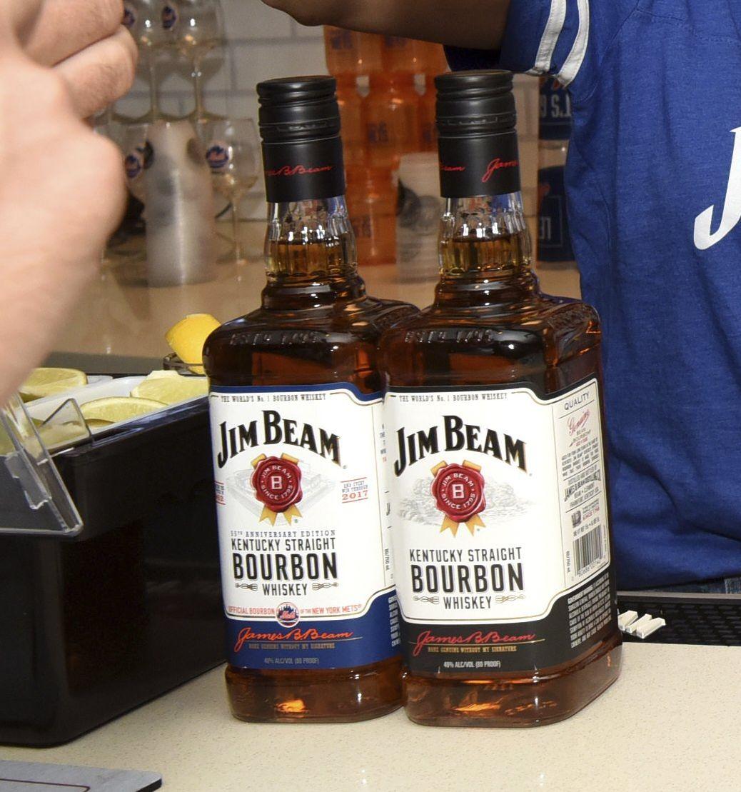 Jim Beam es considerada la marca de whiskey más grande del mundo. (AP)