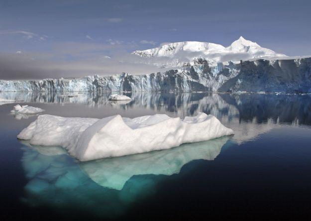 Investigadores belgas esperan hallar un pedazo de Luna en la Antártida