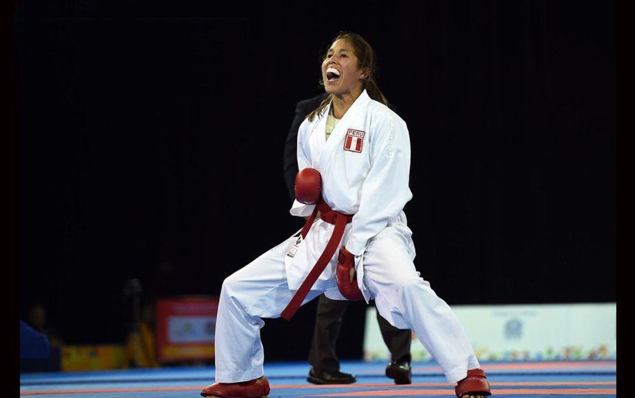 Alexandra Grande gana medalla de oro en Serie A del Karate Montreal en Canadá | FOTOS