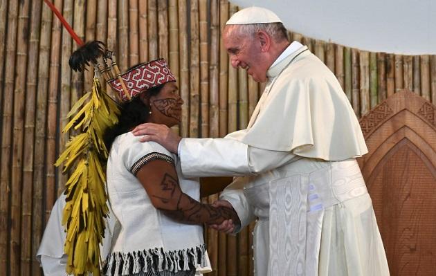 """Papa Francisco sobre pueblos amazónicos: """"nunca han estado tan amenazados como ahora"""""""