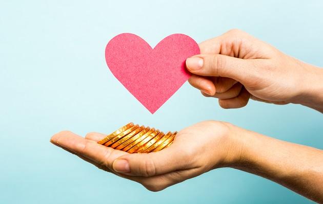 Los solteros gastan más que las parejas, según estudio
