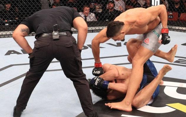 UFC: peleador noqueó a su rival en apenas 15 segundos