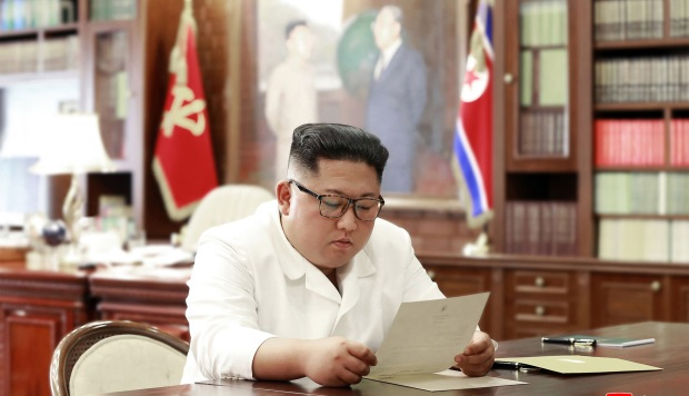 """El líder norcoreano, Kim Jong Un, recibe una """"excelente"""" carta de Trump"""