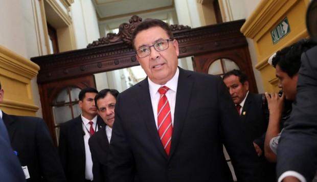 José Huerta, ministro de Defensa, falleció de un infarto en Amazonas