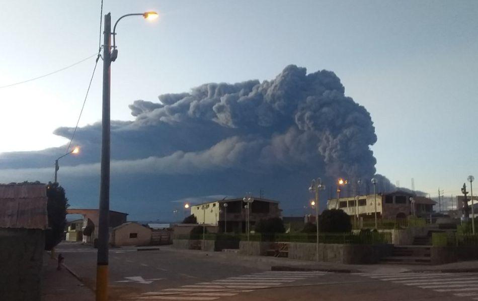 Volcán Ubinas: Senamhi informó que vientos dispersarán cenizas hacia Puno, Moquegua y Tacna