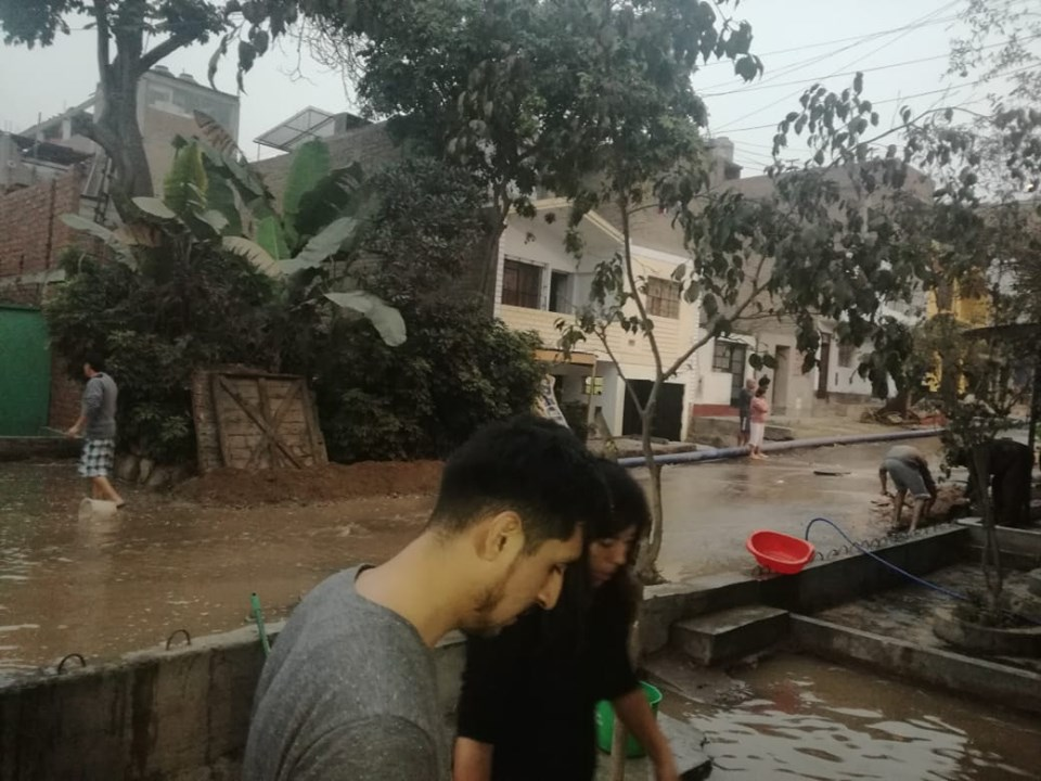Comas: Sedapal controló aniego que afectó viviendas esta madrugada   VIDEO