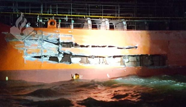 Un petrolero y un barco de pasajeros chocan en el suroeste de Holanda