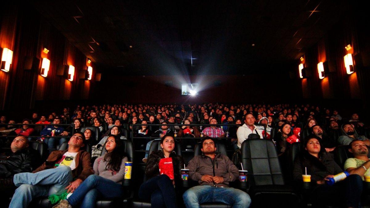 Por qué la comida que se vende en los cines es tan cara? | Cine ...