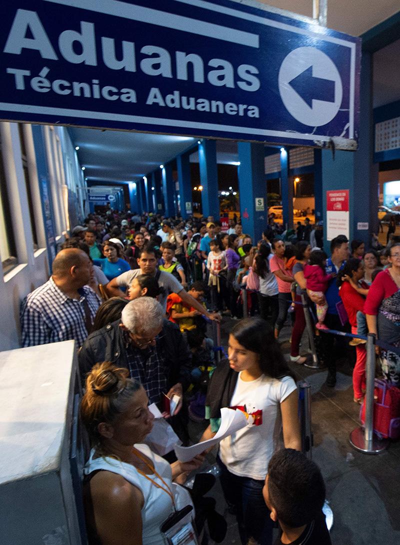Miles de venezolanos escapan de la crisis que azota a su país. (Foto: AFP)