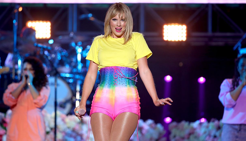 Taylor Swift se siente 'asqueada' porque su ex mánager ha comprado los derechos de su música