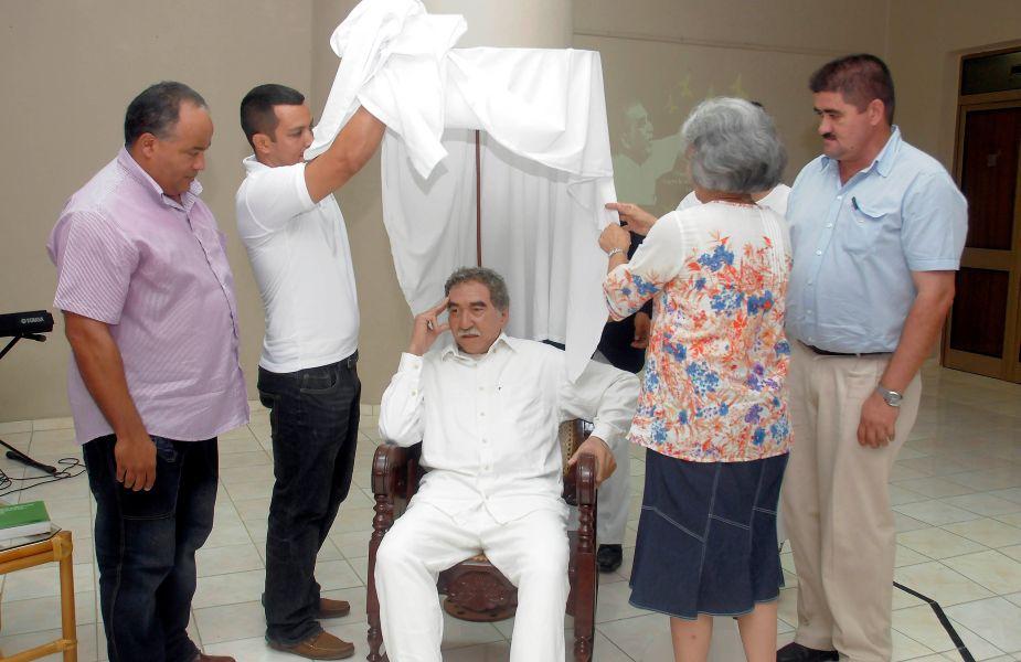 Museo de Cera de Cuba expone figura de cera a tamaño natural de Gabriel García Márquez