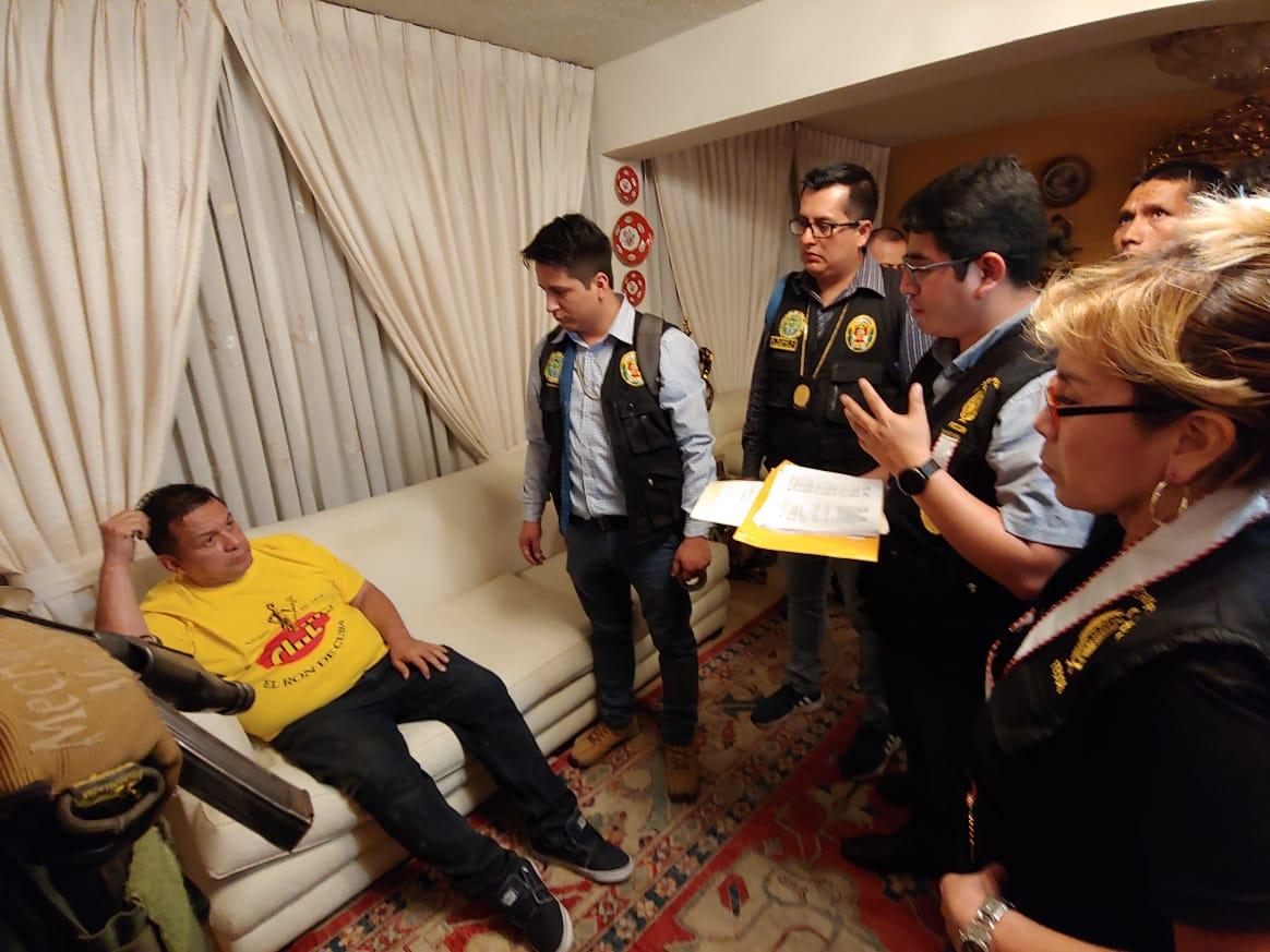 Así fue detenido Juan Sotomayor en su casa de Jesús María   FOTOS