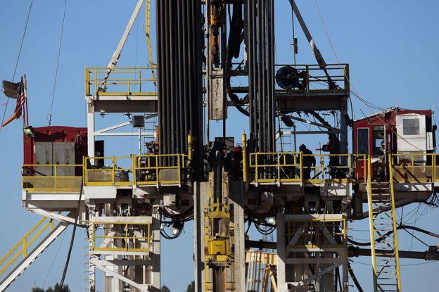 """La Administración de Información Energética de EE.UU. estima que aproximadamente la mitad de la producción total de petróleo crudo del país proviene del """"fracking"""". (Foto: Getty Images)"""