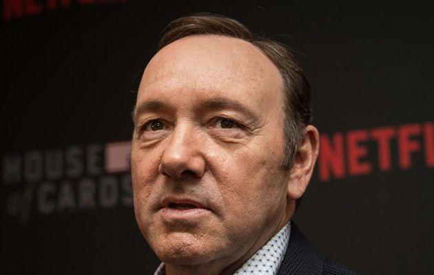 Kevin Spacey acude a tribunal para comparecer por acusación de agresión sexual