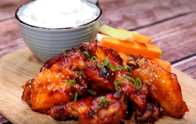 Deliciosas alitas horneadas con salsa BBQ | RECETA