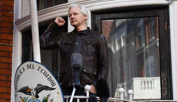 """WikiLeaks: Julian Assange será expulsado de la Embajada de Ecuador en las próximas """"horas o días"""""""