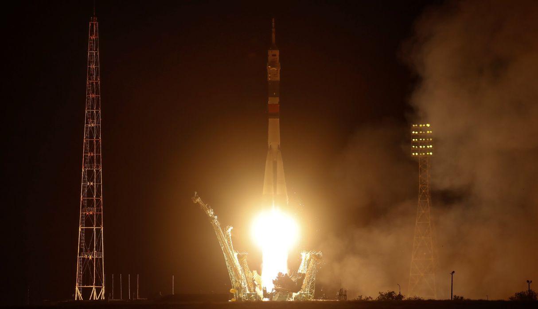 Nave Soyuz despega rumbo a Estación Espacial en homenaje al Apolo 11 | FOTOS