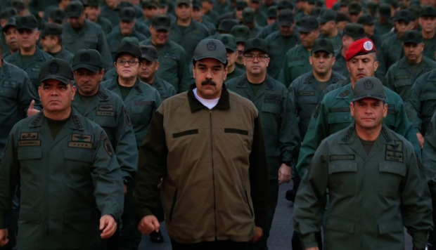 Contraataque oficialista tras rebelión contra Maduro deja un diputado preso y tres refugiados