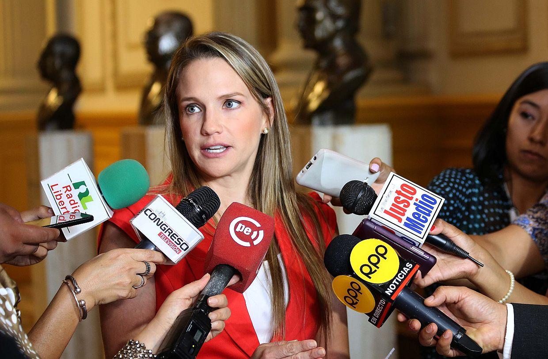 Luciana León pide evaluar inmunidad de Joaquín Dipas tras cambios en comisiones