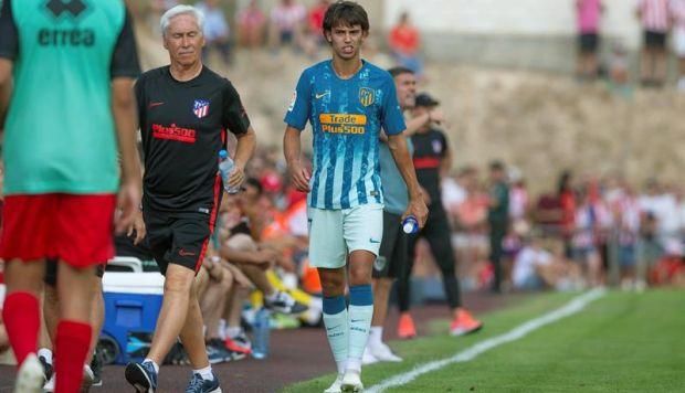 João Félix se retiró lesionado en su debut con Atlético de Madrid