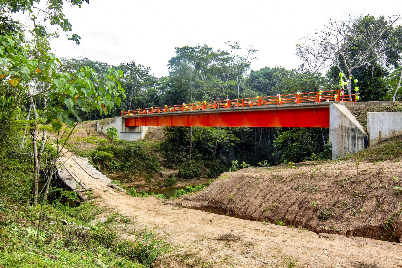 Ucayali: inauguran puente que soporta más de 20 toneladas