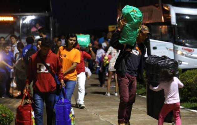 Grupo de venezolanos abandona Brasil tras linchamiento de inmigrante