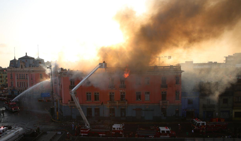 Notre Dame: los últimos incendios que destruyeron el patrimonio de Lima