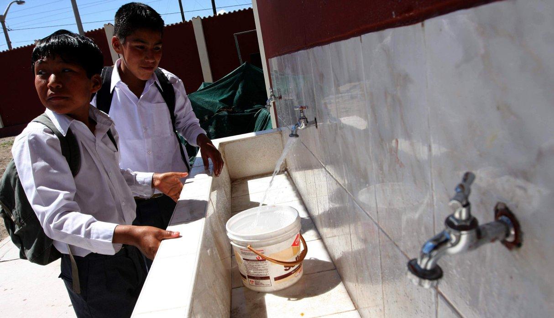 Este lunes sí habrá clases en colegios tras restablecerse servicio de agua