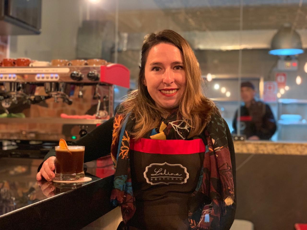 "Ximena Calonge, dueña de Lolina Café Bar, en Miraflores. ""Queremos brindar una gran experiencia"". (Foto: Esther Vargas)"