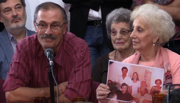 """Emoción y """"miedo"""" por ver a su hija 42 años después de robársela la dictadura"""