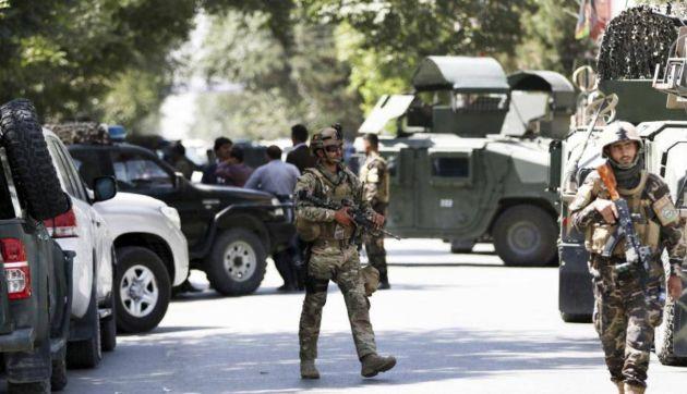 Muere terrorista cuando colocaba bomba en el baño de una universidad en Kabul