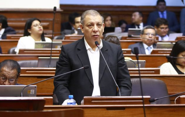 Congresistas de Nuevo Perú y Frente Amplio critican nuevas conversaciones de 'La Botica'